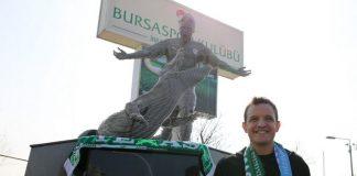 Bursaspor'da o efsane ismin heykeli yapıldı